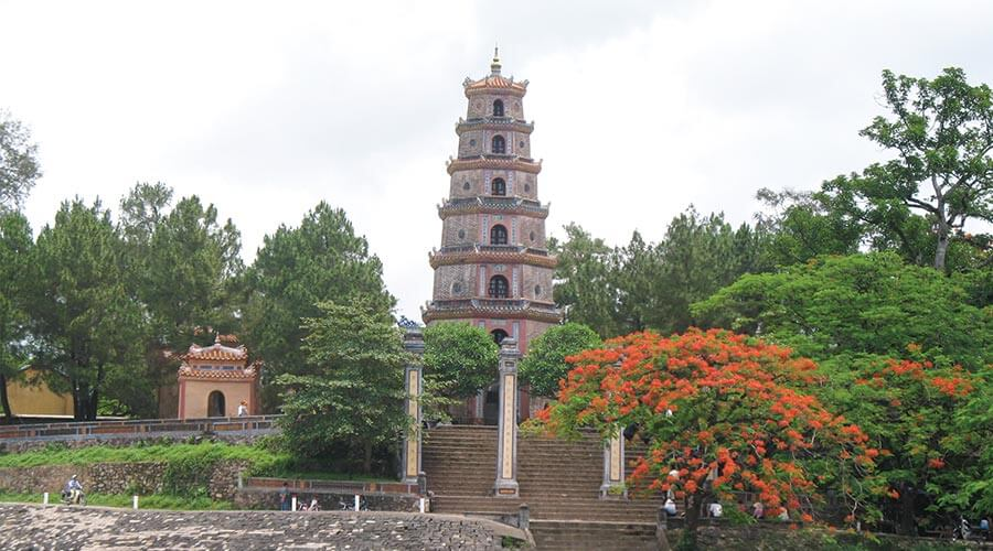 buddhist singles in delta If you want the experience of living with the local people in the mekong delta and enjoy learning about the buddhism in vietnam, you should not miss vinh trang pagoda – a great, ancient pagoda in my tho, tien giang province.